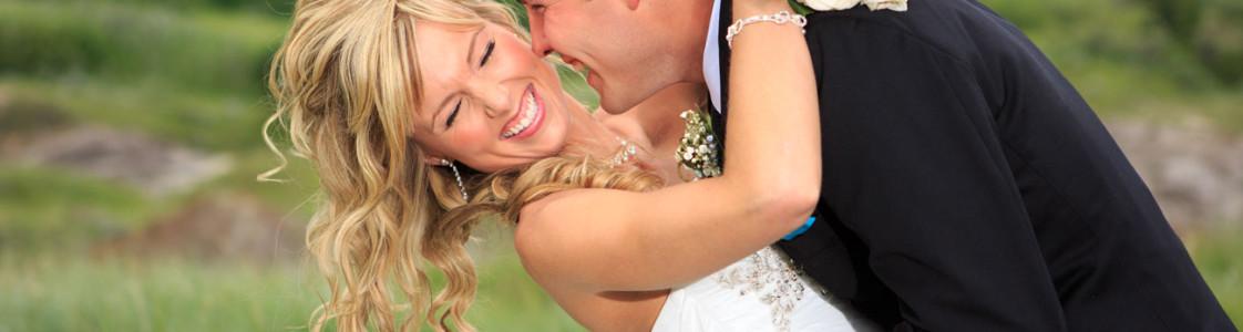 Lieke & Tyrel {Wedding in Alberta's Badlands}