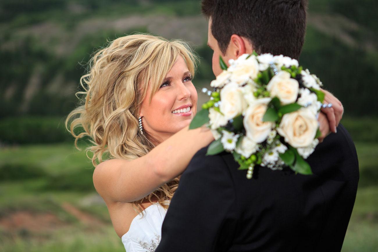 Lieke & Tyrel - Badlands Wedding - Alberta Wedding Photography (20)