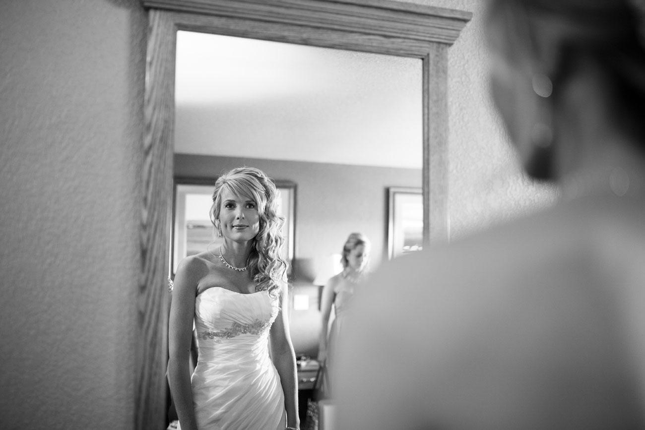 Lieke & Tyrel - Badlands Wedding - Alberta Wedding Photography (5)