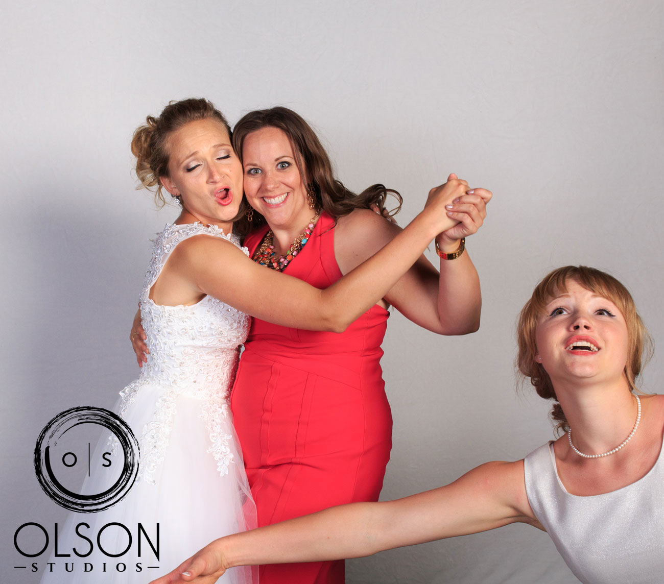 Robin & Alysse - Photo Booth - Wedding Photography - Red Deer & Calgary Alberta (35)