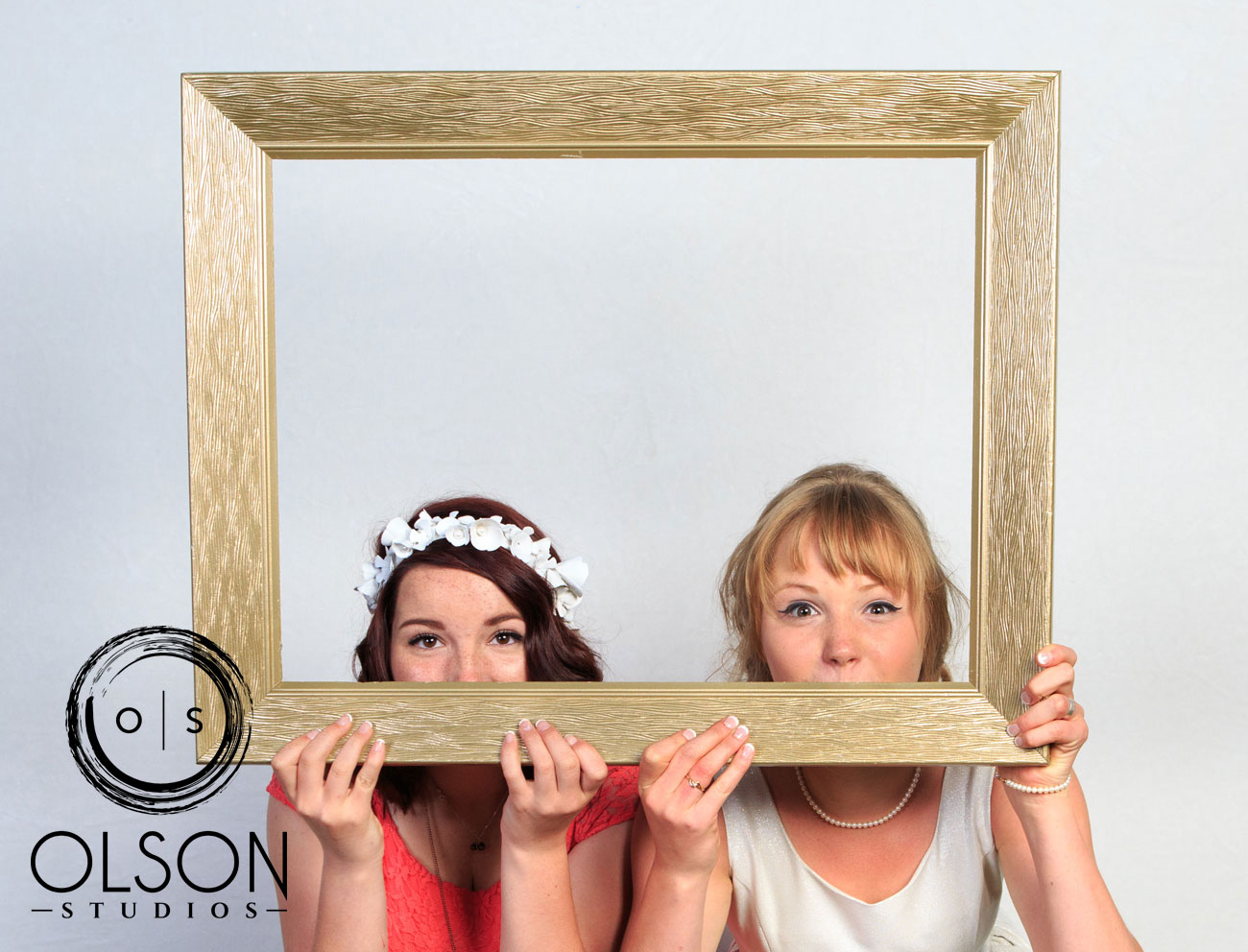 Robin & Alysse - Photo Booth - Wedding Photography - Red Deer & Calgary Alberta (7)