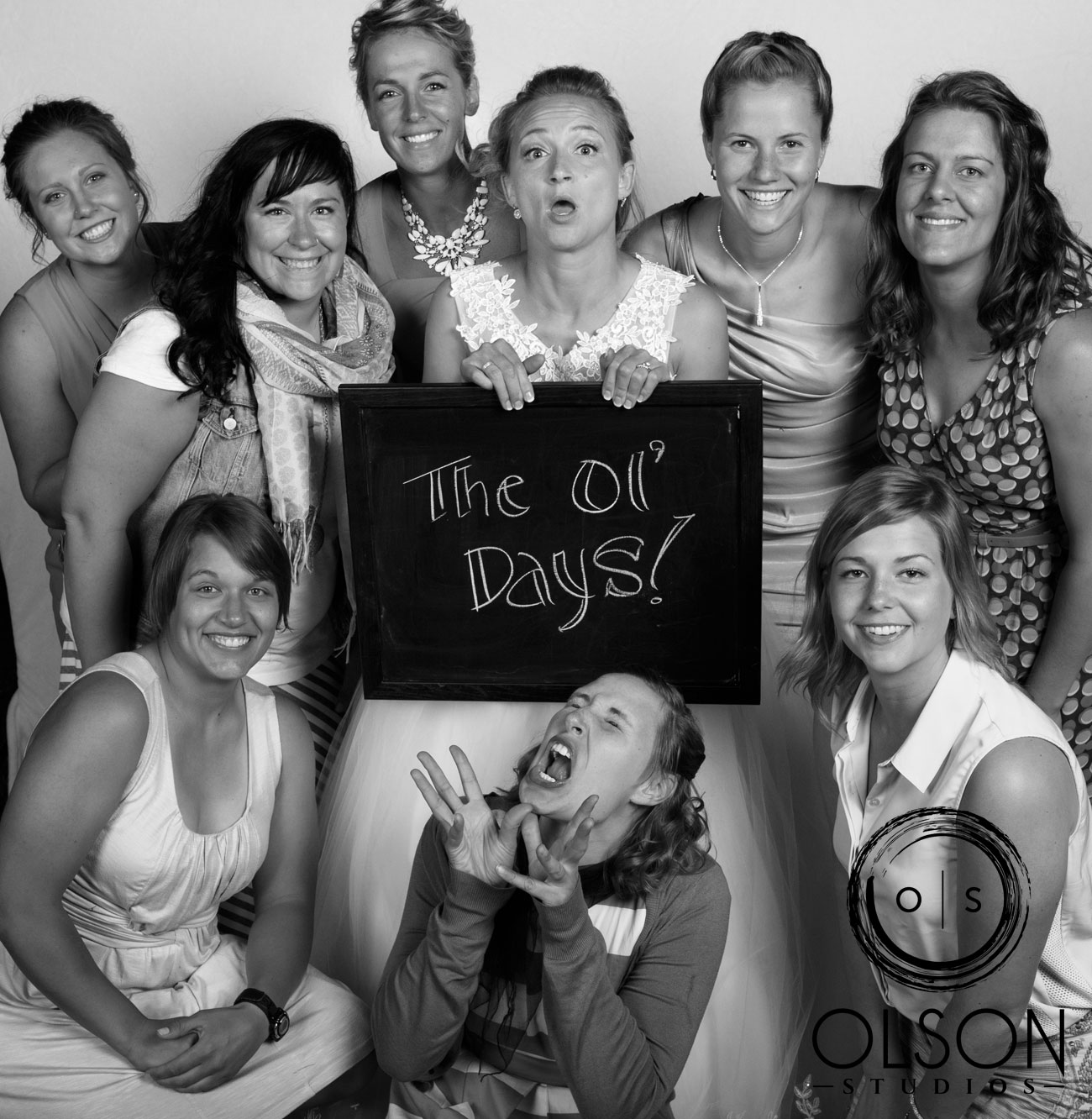 Robin & Alysse - Photo Booth - Wedding Photography - Red Deer & Calgary Alberta (70)