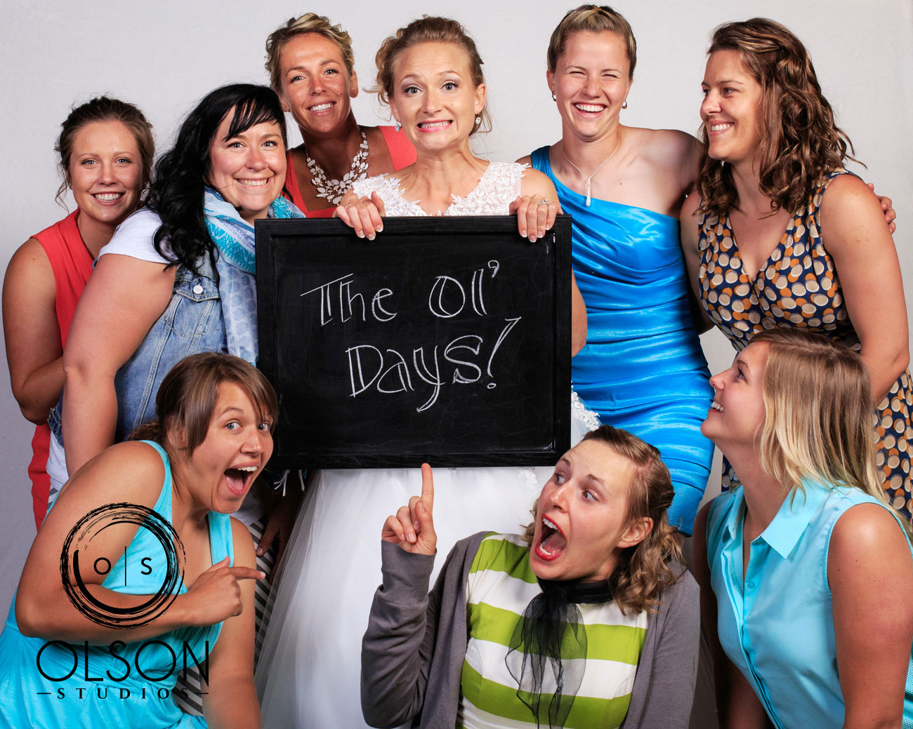 Robin & Alysse - Photo Booth - Wedding Photography - Red Deer & Calgary Alberta (71)