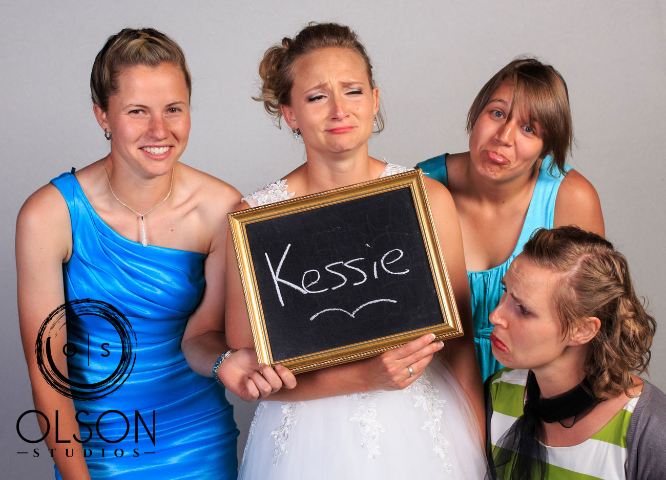 Robin & Alysse - Photo Booth - Wedding Photography - Red Deer & Calgary Alberta (78)