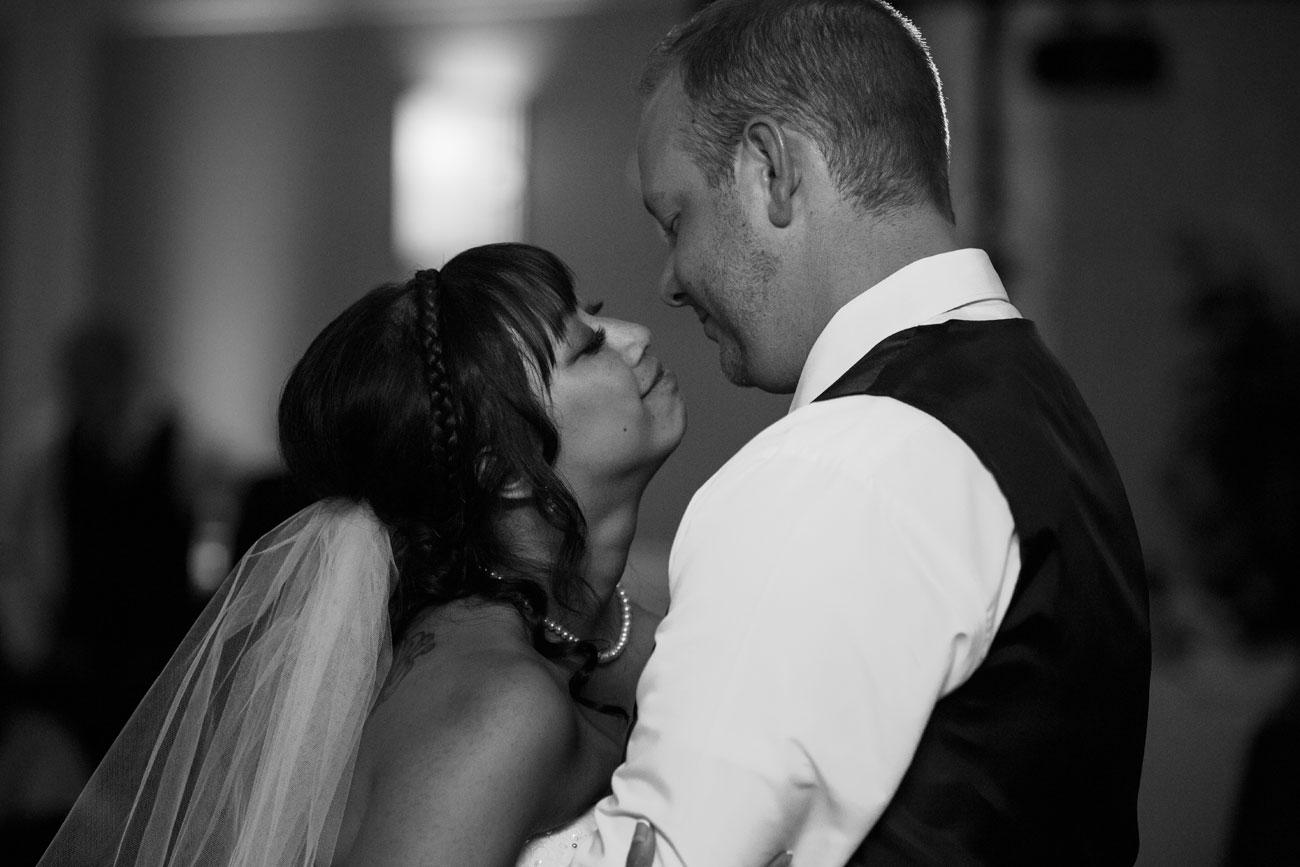 An & Darryl - Red Deer Wedding Photography - Red Deer, Alberta - Olson Photography (33)