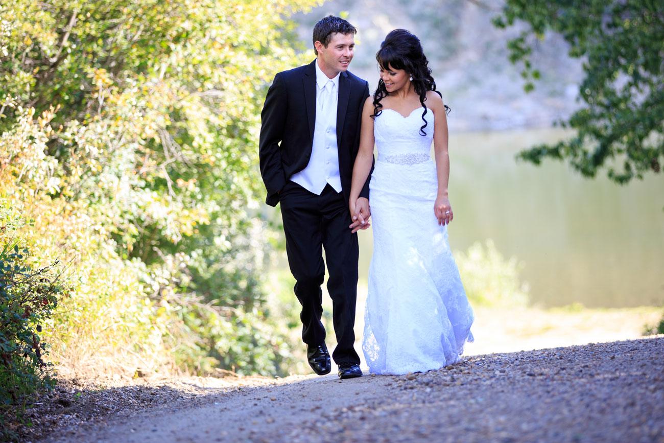 Myranda & Cole - Three Hills, Alberta - Wedding Photography (24)