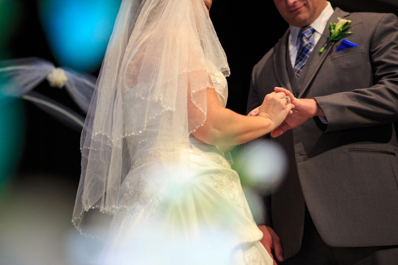 Beth Troy - Sylvan Lake Alberta Wedding - Olson Photography (15)