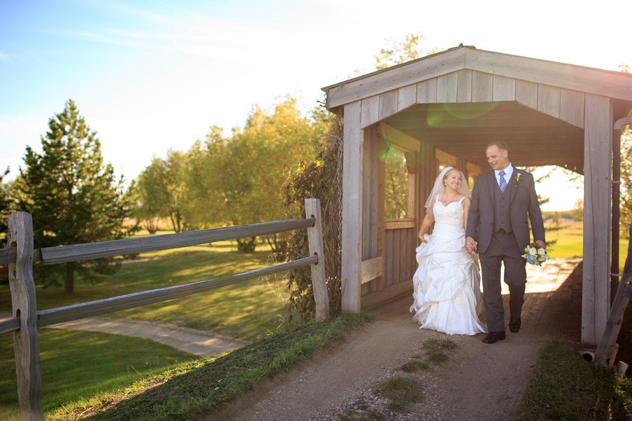 Beth Troy - Sylvan Lake Alberta Wedding - Olson Photography (20)