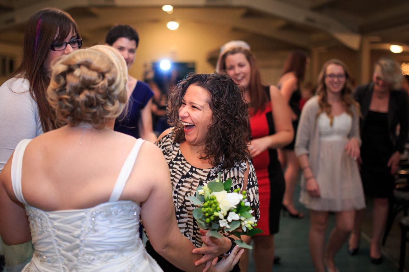 Beth Troy - Sylvan Lake Alberta Wedding - Olson Photography (33)