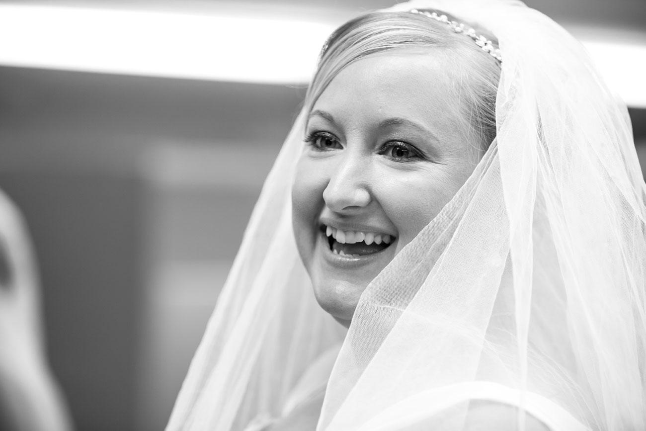 Beth Troy - Sylvan Lake Alberta Wedding - Olson Photography (5)