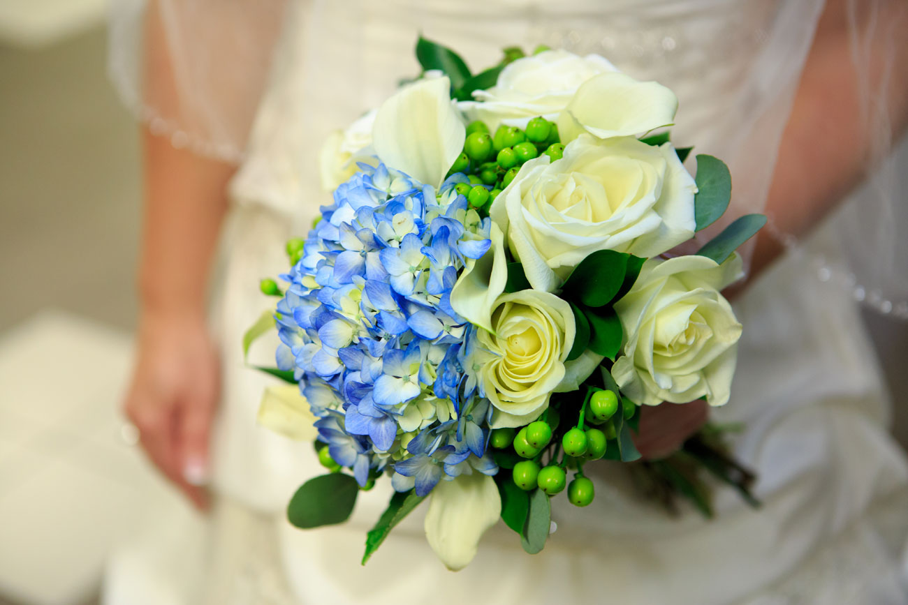Beth Troy - Sylvan Lake Alberta Wedding - Olson Photography (7)