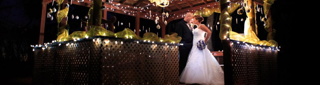 Courtney & Ryan {A Christmas Wedding in Three Hills}