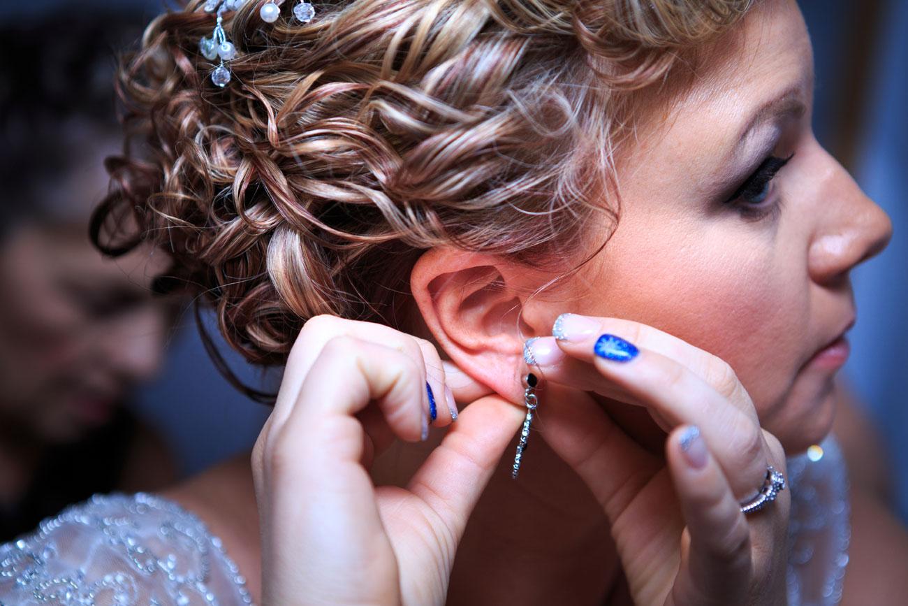 Courtney & Ryan - Christmas Wedding - Three Hills, Alberta - Wedding Photography (10)