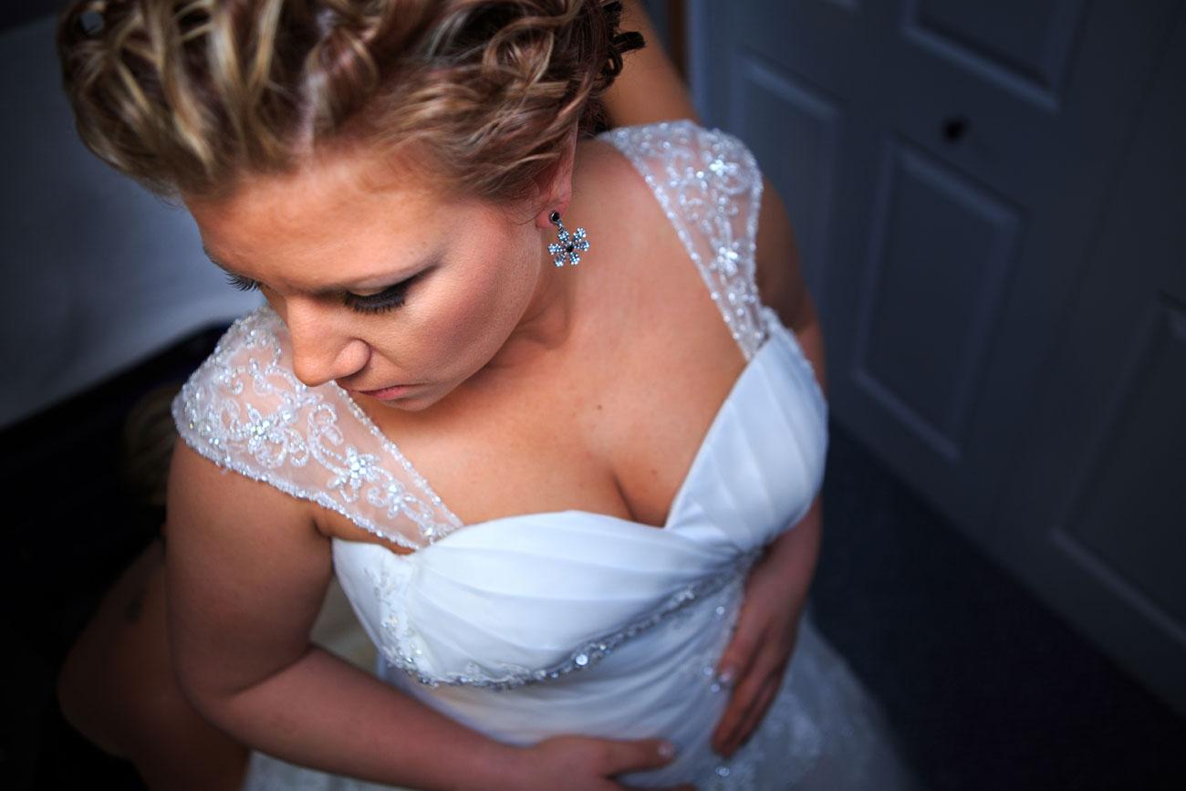 Courtney & Ryan - Christmas Wedding - Three Hills, Alberta - Wedding Photography (12)