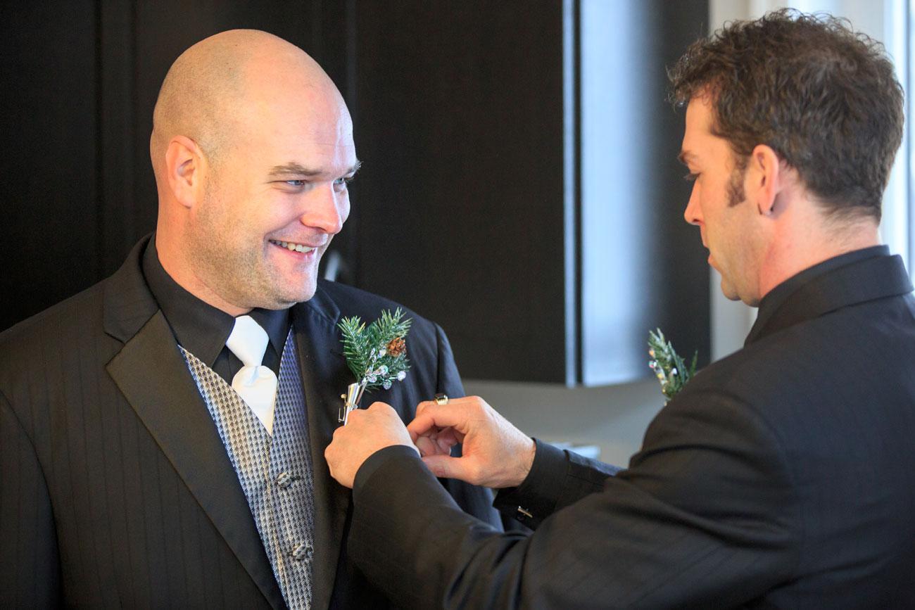 Courtney & Ryan - Christmas Wedding - Three Hills, Alberta - Wedding Photography (14)