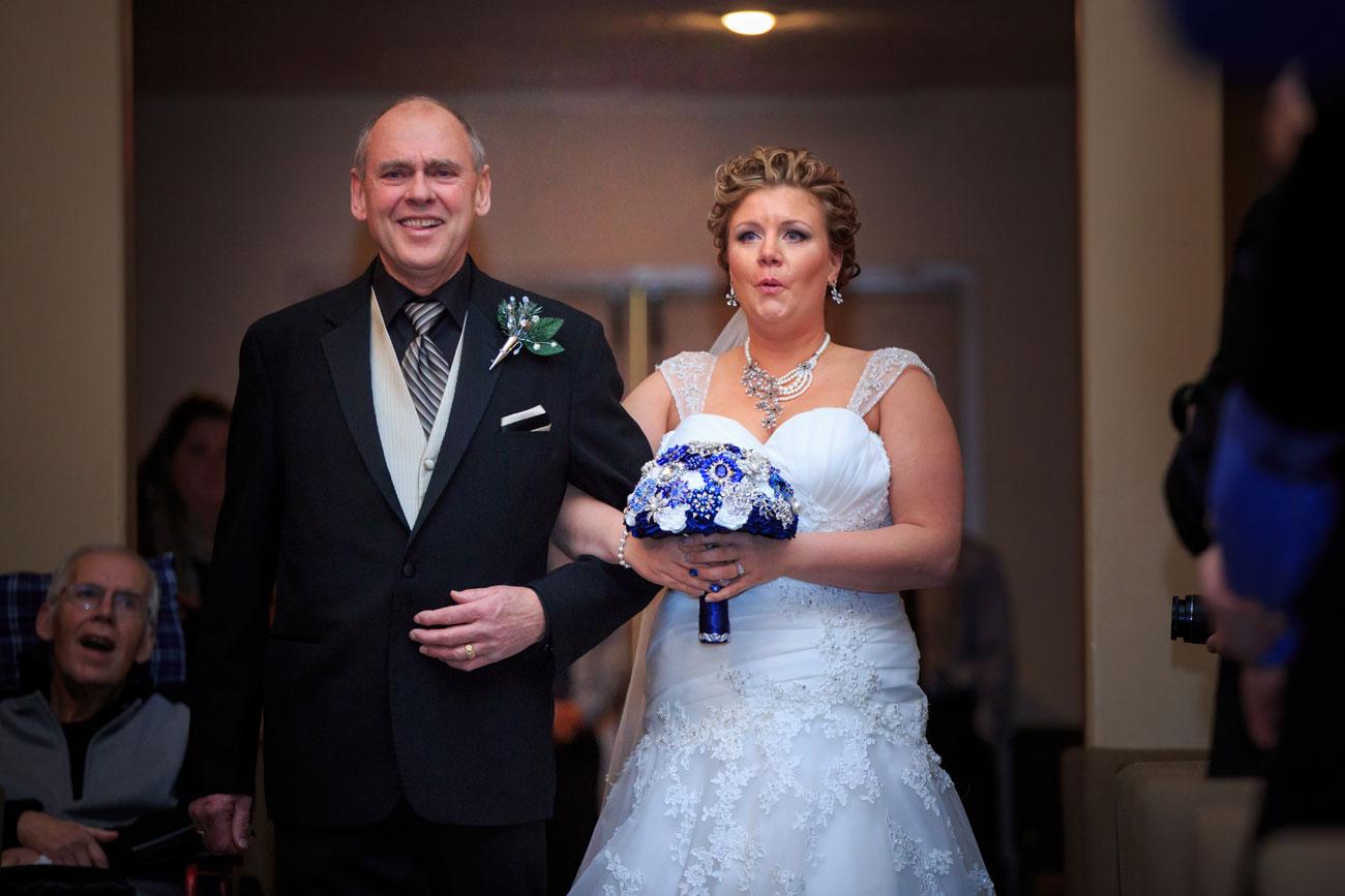 Courtney & Ryan - Christmas Wedding - Three Hills, Alberta - Wedding Photography (17)