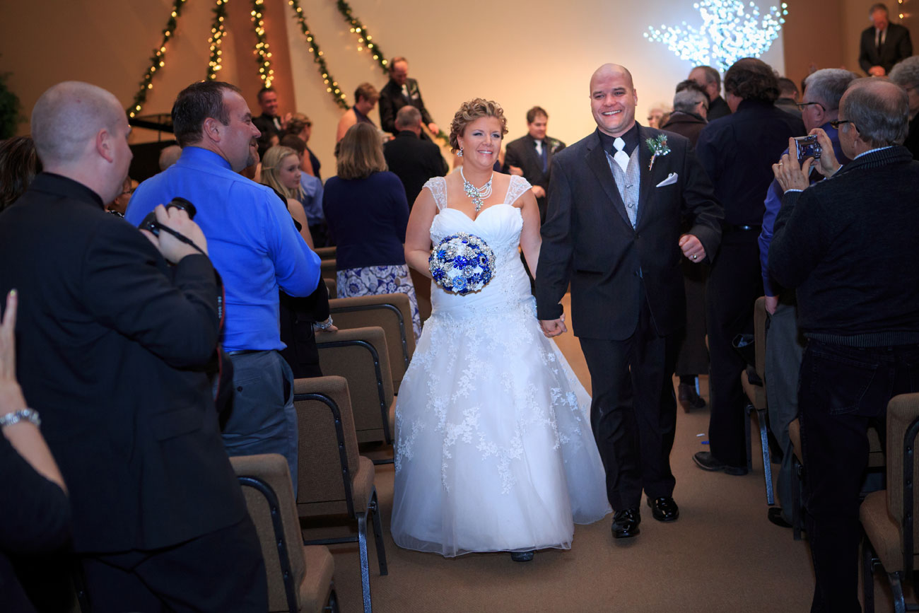 Courtney & Ryan - Christmas Wedding - Three Hills, Alberta - Wedding Photography (22)