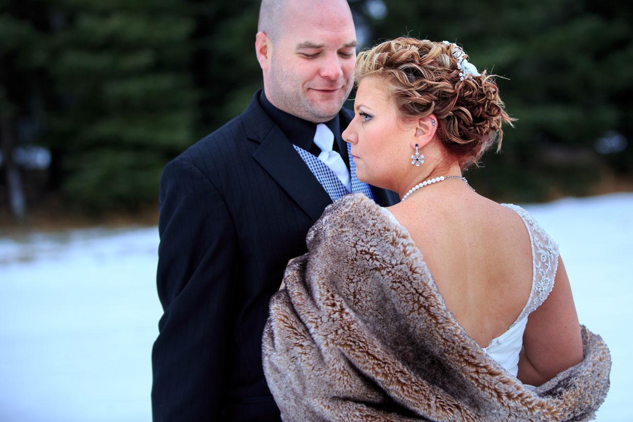 Courtney & Ryan - Christmas Wedding - Three Hills, Alberta - Wedding Photography (29)