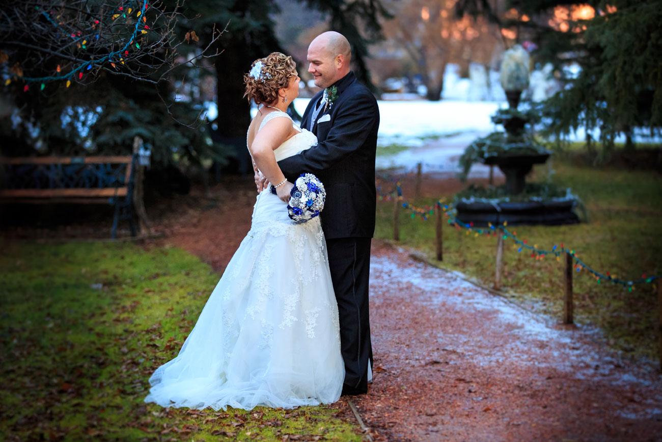 Courtney & Ryan - Christmas Wedding - Three Hills, Alberta - Wedding Photography (33)