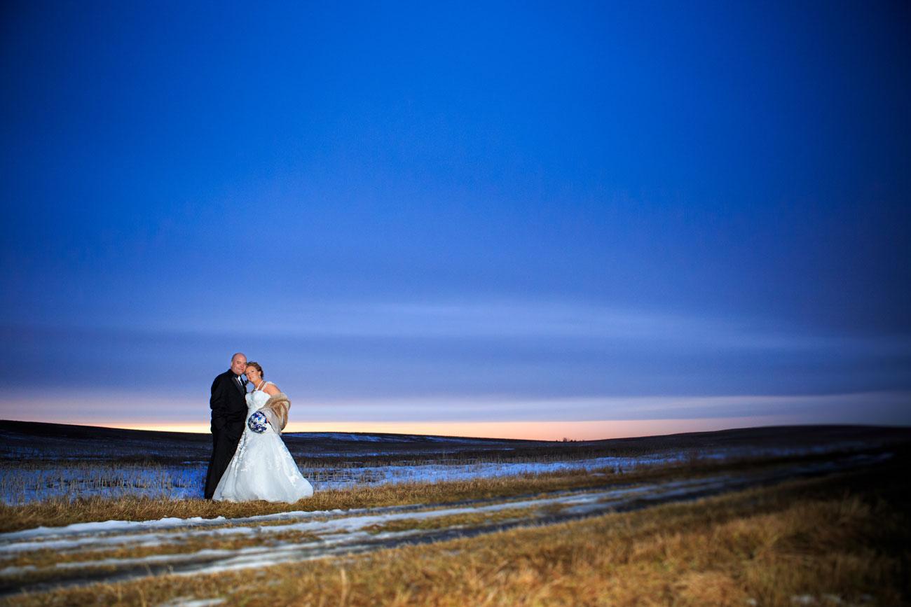 Courtney & Ryan - Christmas Wedding - Three Hills, Alberta - Wedding Photography (34)