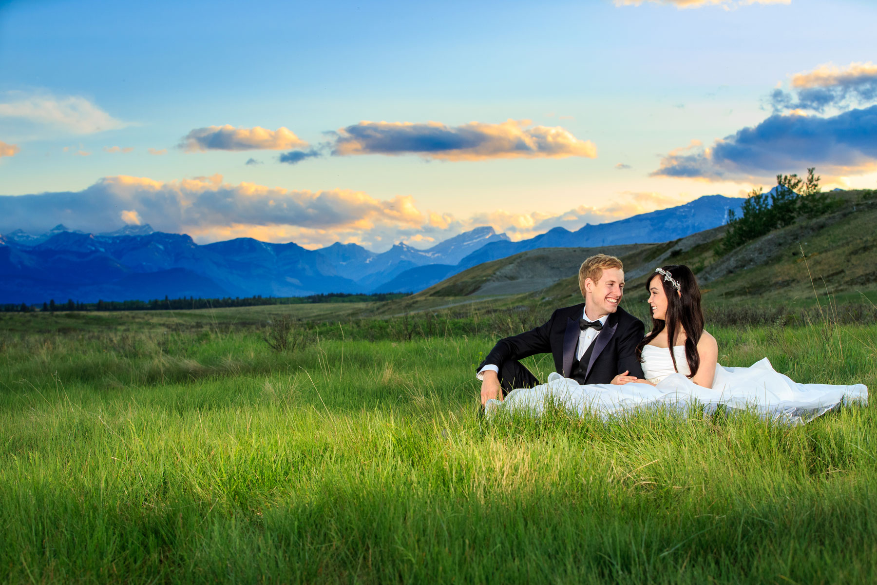 Cochrane Alberta Cochrane Ranchehouse Jordan and Tina Calgary Wedding Photographer Engagement Photography Rocky Mountains Bow Valley Ghost Lake  (9)