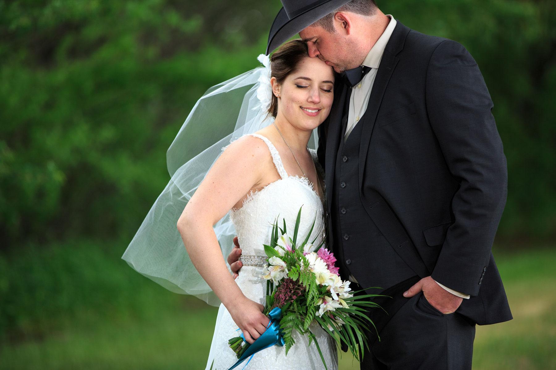 Angela & Patrick - Lacombe, Alberta Wedding Photography - Olson Studios (21)