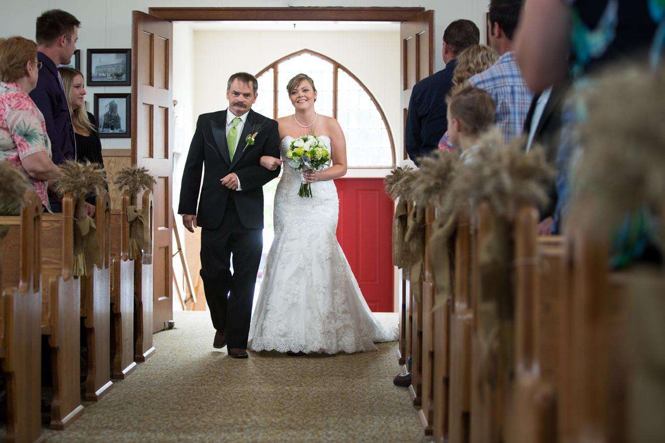 CJ & Jasen - Drumheller Wedding Photography - Calgary Wedding Photographer (24)