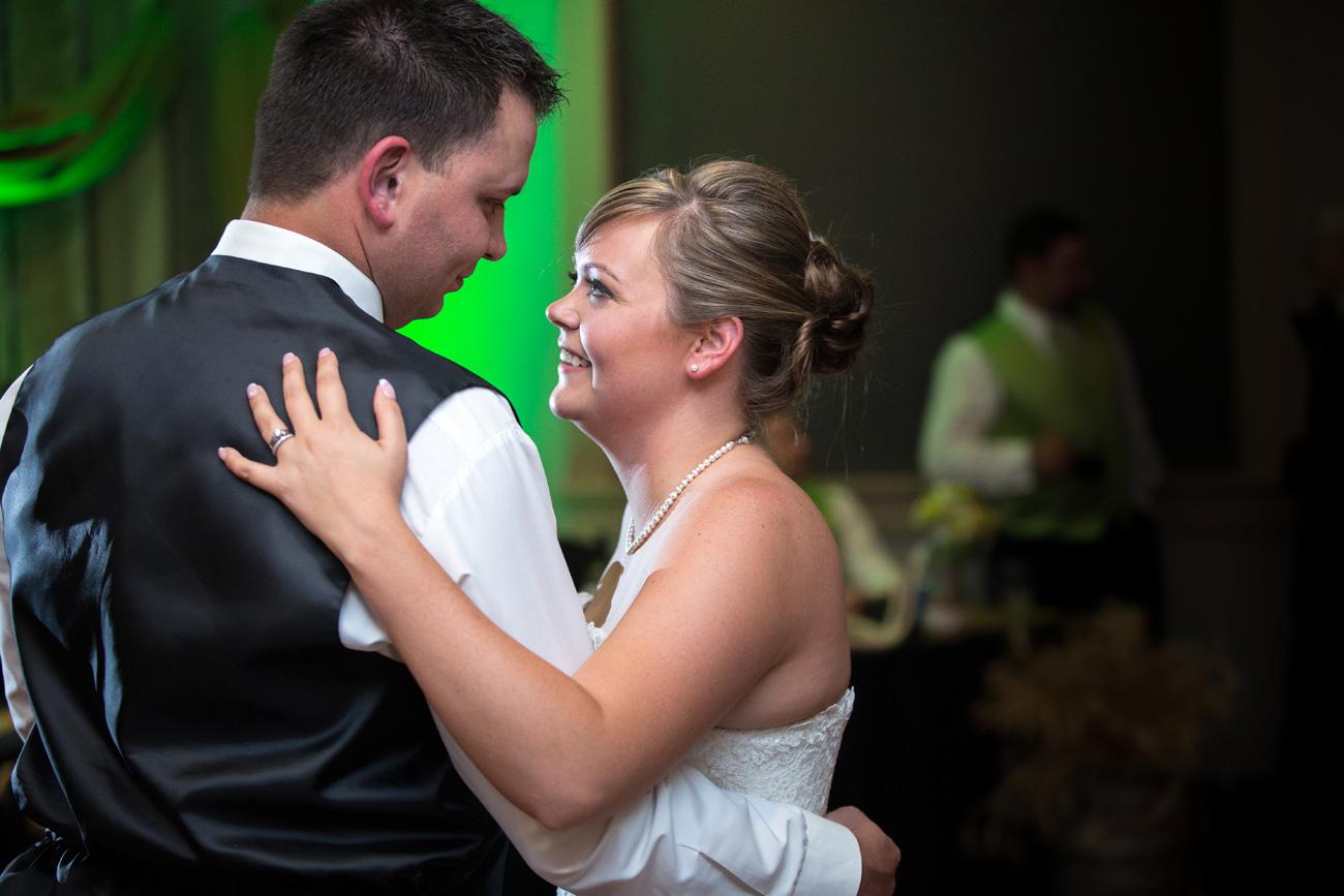 CJ & Jasen - Drumheller Wedding Photography - Calgary Wedding Photographer (58)