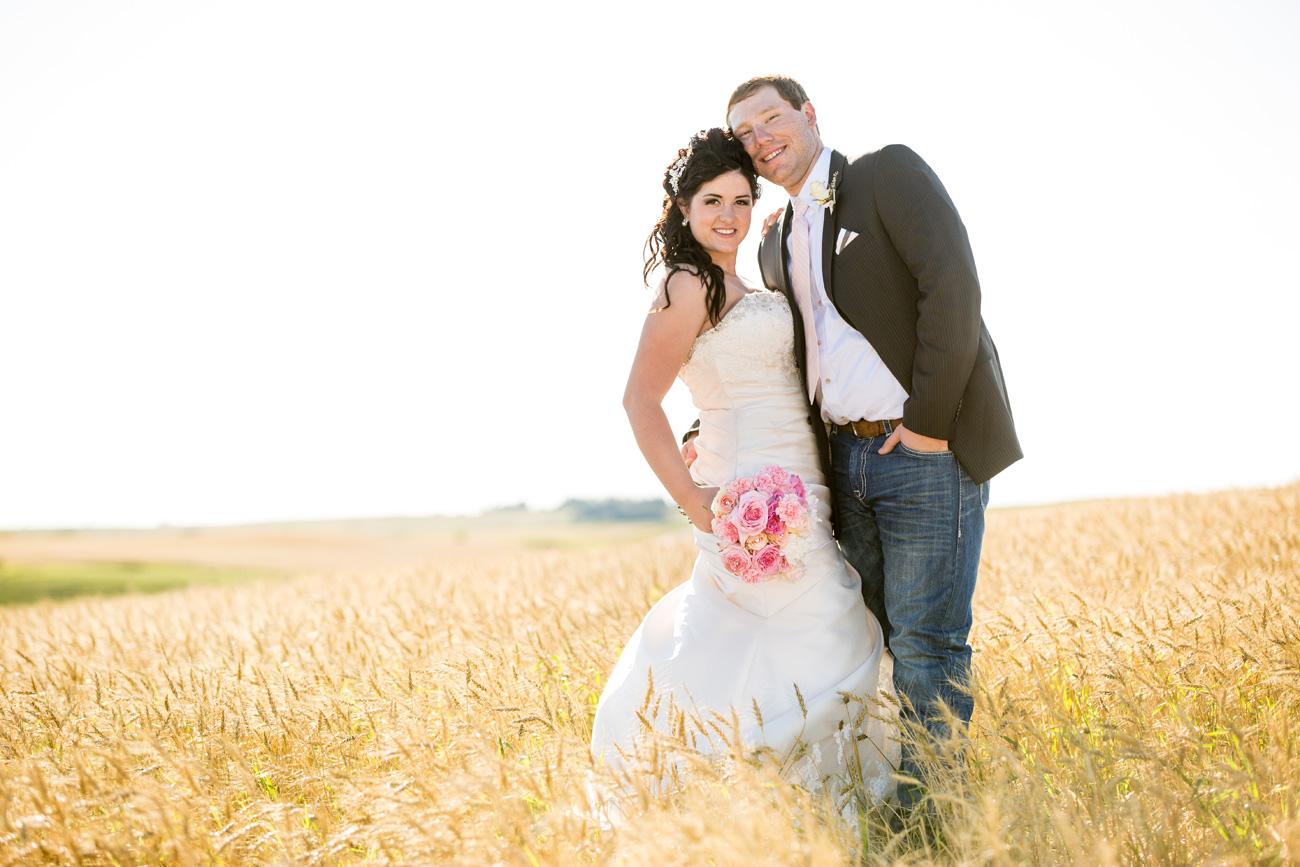 Jessica-and-Sheldon---Trochu-Wedding---Olds-Alberta-Wedding---Wedding-Photographers----Olson-Studios---Wedding-Photography---East-Olds-Baptist---Trochu-Arboretum---Trochu-Hall-(31)