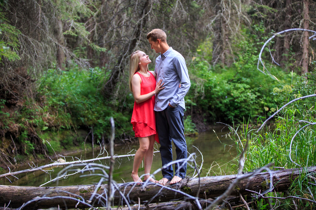 Quinn & Nathan -  Engagement & Wedding Photography - Rocky Mountain House, Alberta (12)