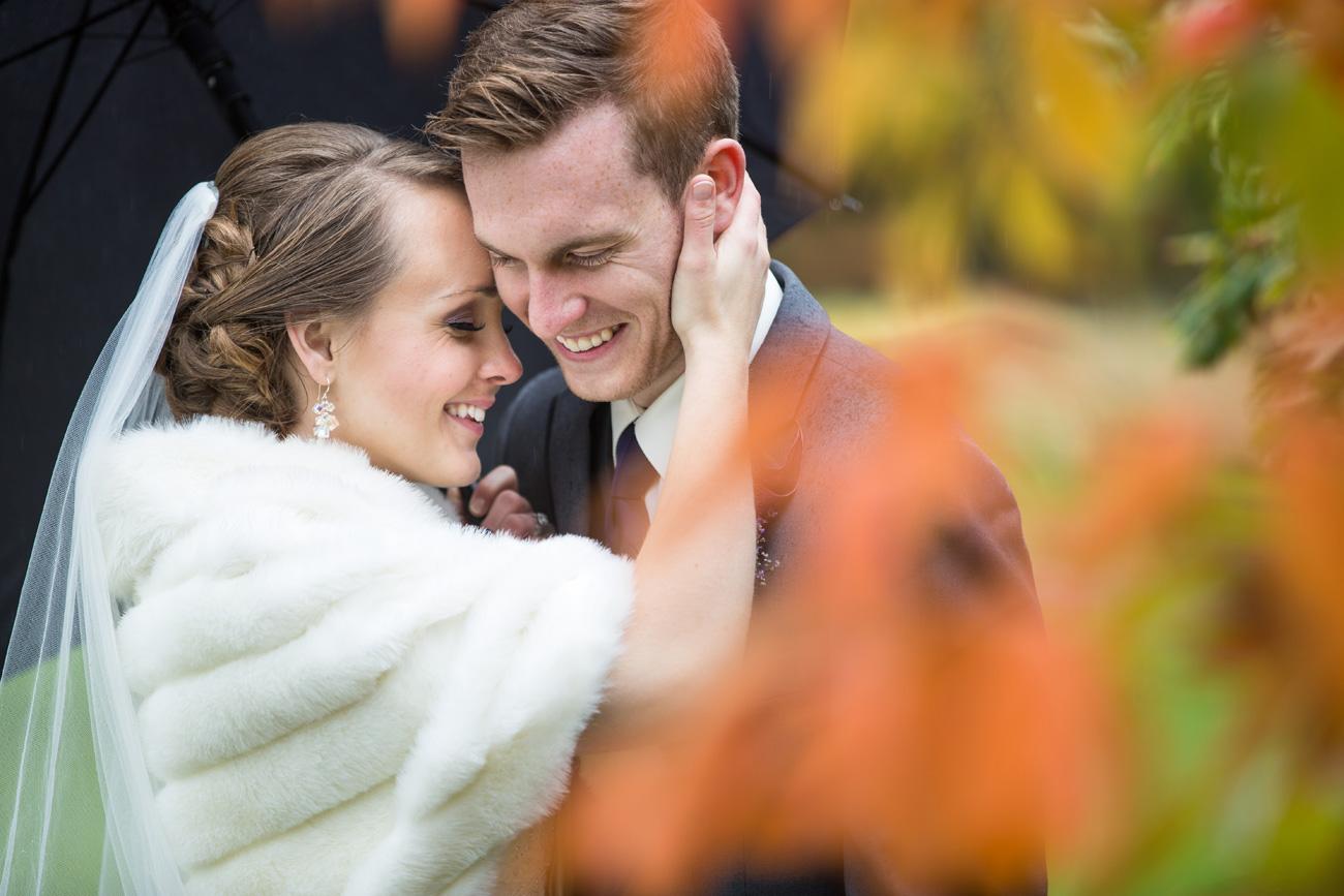 Victoria-and-Matthew---Olds-Alberta-Wedding---Willow-Lane-Barn---East-Olds-Baptist---Wedding---Wedding-Photography---Olson-Studios---Calgary-Wedding-Photographers---Palmeroy---Barn-Wedding---Chic-Barn-Wedding-(41)